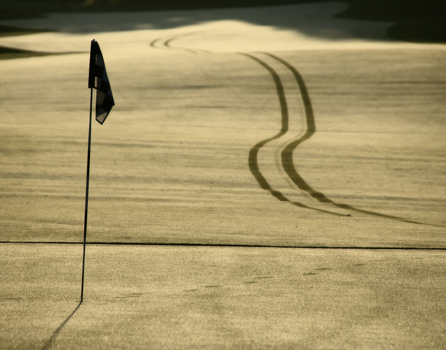 golf hole long shot